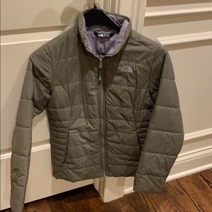 Girls light weight north face jacket size 1416